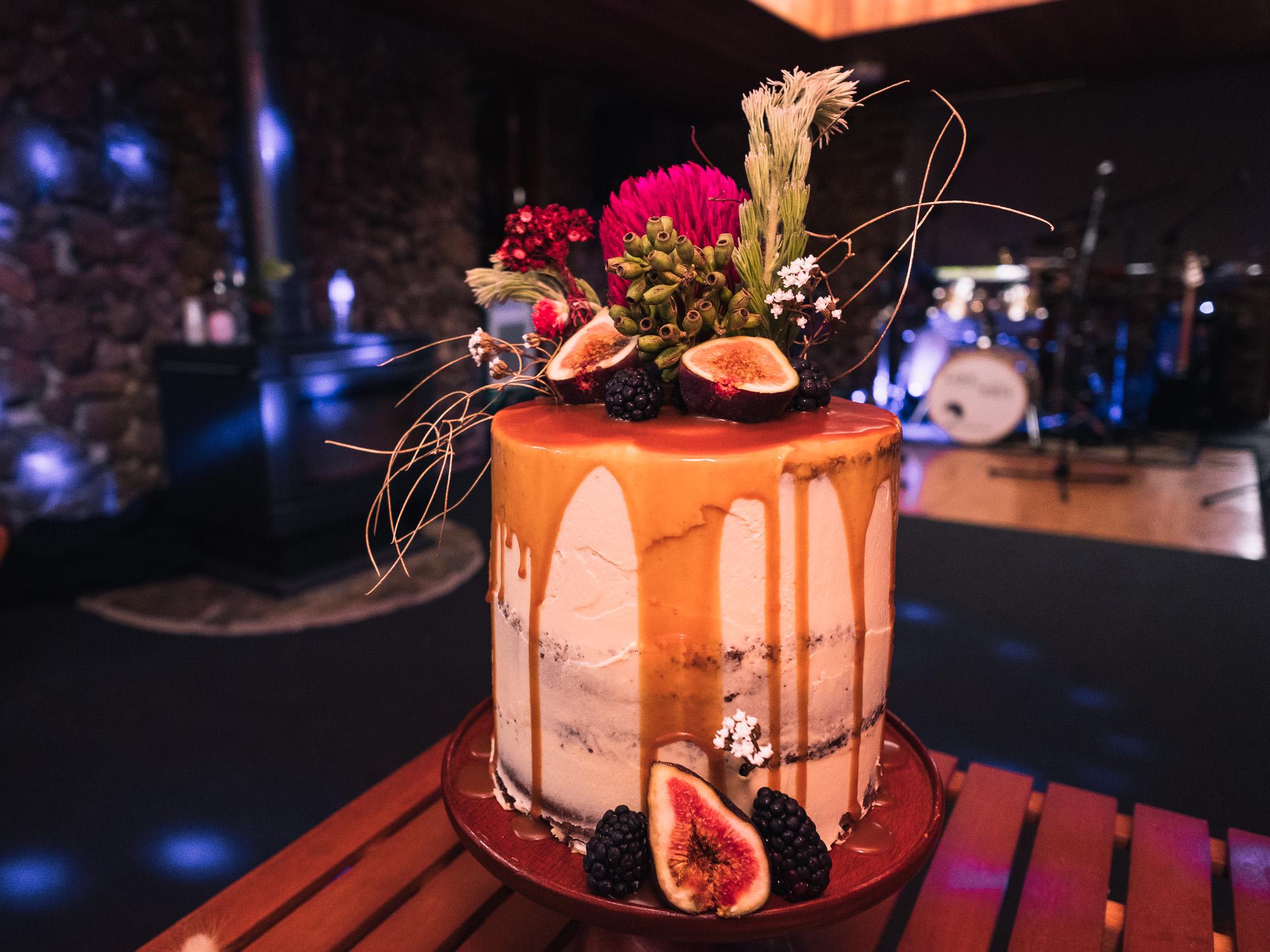 Melbourne Sunnystones Camp Wedding - wedding cake